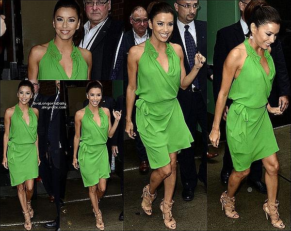 ✴️ Eva est allée à Times Square pour un Évènement Lay's. 20 Juillet 2012. New-York - Etats-Unis. Tenue: Eva porte un Veste Kymerah, un Short Kymerah & des Escarpins Brian Atwood à 1360¤.