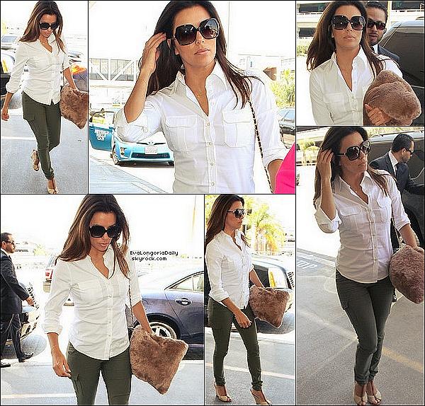 • 27 Juin 2o13 •  - Los Angeles, Etats-Unis. 🛍️ Eva est allée « Faire du Shopping » à « Macy's Store ».  Tenue: Lunettes Salvatore Ferragamo à 185¤.
