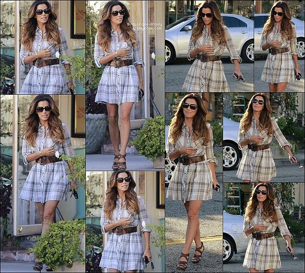 • 18 Octobre 2o13 •  - West Hollywood, Etats-Unis. 🎂 Eva & ses amis sont allés dîner au « Petit Ermitage Restaurant » pour l'anniversaire de Maria.