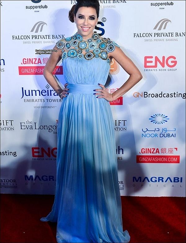 ✴️ Enfin, Eva est allée au Global Gift Gala.  14 Décembre 2013. Dubaï - Emirats Arabe Unis. Tenue: Eva porte une Robe Yanina.