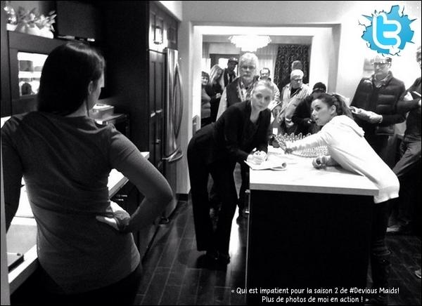 🎥 Eva était sur le tournage de Devious Maids avec Mark Deklin, Rebecca Wisocky, Judy Reyes, Ana Ortiz, Dania Ramirez, Roselyn Sanchez, Susan Lucci & Edy Ganem.   14 Janvier 2014. Atlanta, États-Unis.