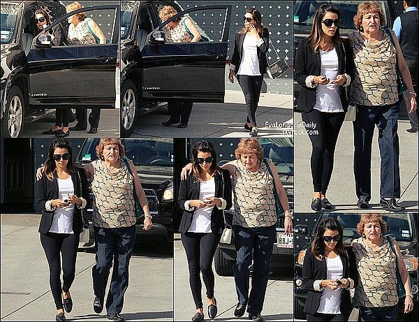 • 28 Février 2o14 •  - Los Angeles, Etats-Unis. 🚶 Eva a été vue dans les « Rues de Los Angeles ».  Tenue: Lunettes Ray-Ban à 15o¤ & Sac Chanel.