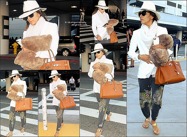 • 21 Juillet 2o14 •  - Los Angeles, Etats-Unis. ✈️ Eva a été vue à « LAX Airport ».  Tenue: Sac Hermès à 185oo¤ & Sandales Casadei à 69o¤.