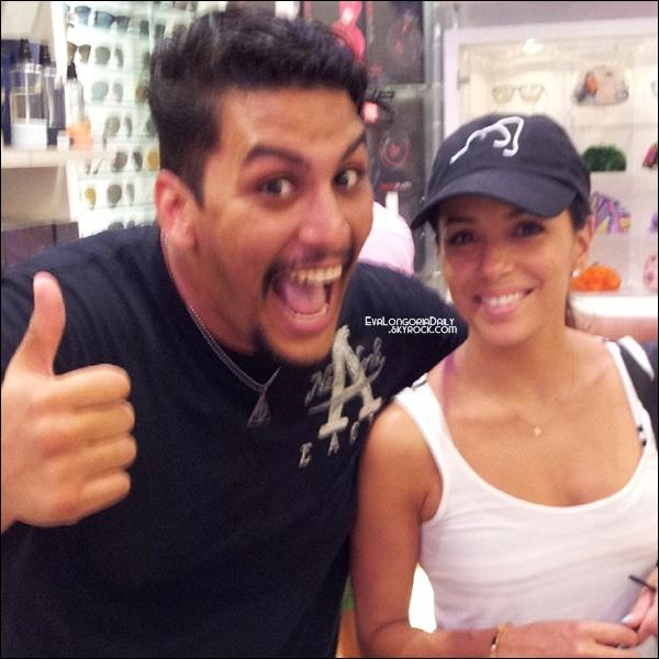 🌴 Eva a été vue dans les Rues de Palm Beach. 27 Juillet 2014. Miami - Etats-Unis.