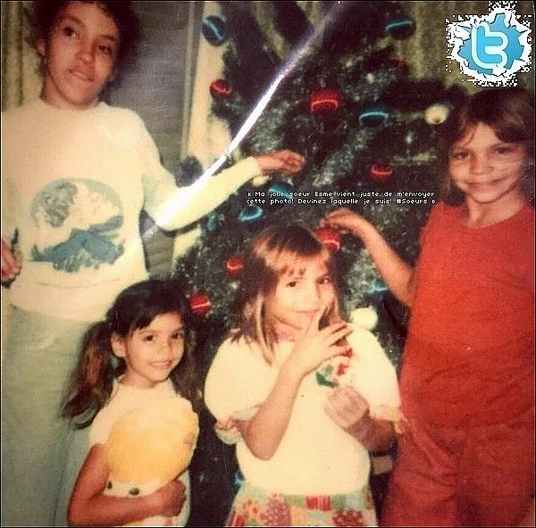 • 21 Janvier 2o15 •  - Etats-Unis. 📷  Eva a posté une « Photos d'Elle & ses s½urs » lorsqu'elles étaient petites.