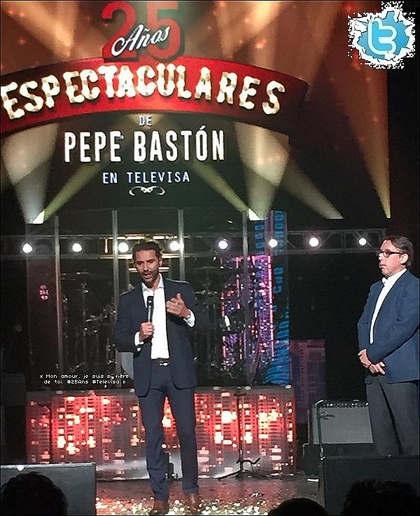 ✴ Le soir, Eva & Pepe Baston sont allés à la soirée qui fêtait les 25 ans de carrière de Pepe Baston sur la chaîne télévisée Televisa avec  Emilio Estefan, Gloria Estefan, William Levy, Enrique Iglesias... 22 Janvier 2015. Miami, Etats-Unis.