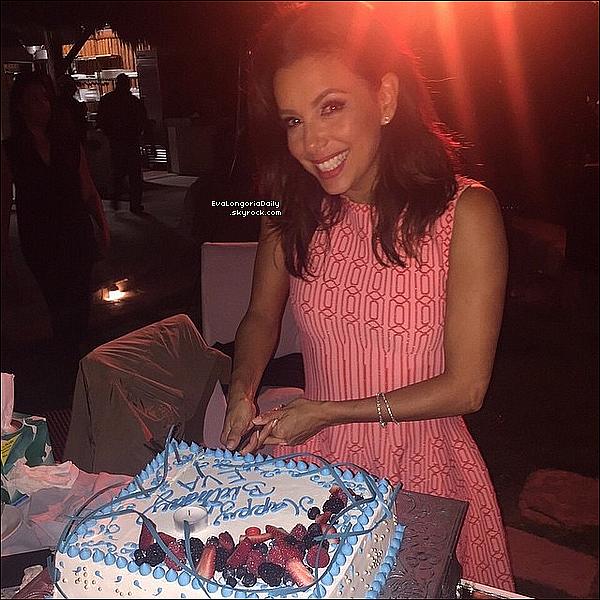 🎂 Le soir, Eva est allée à fêté son anniversaire une journée en avance.  14 Mars 2015. San Antonio, États-Unis.