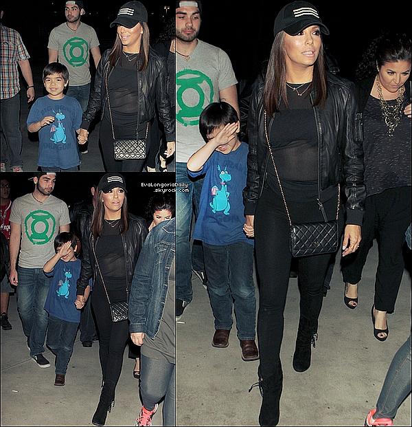• 22 Avril 2o15 •  - Los Angeles, Etats-Unis. 🏀 Le soir, Eva est allée voir un Match de Basket au « Staple Center » avec Lucky et d'autres personnes de sa famille. Tenue: Sac Chanel à 169o¤.