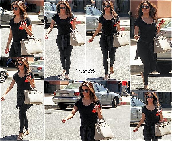 • 29 Avril 2o15 •  - Los Angeles, Etats-Unis. 🎤 Eva a organisé un « Live Chat » sur Twitter.