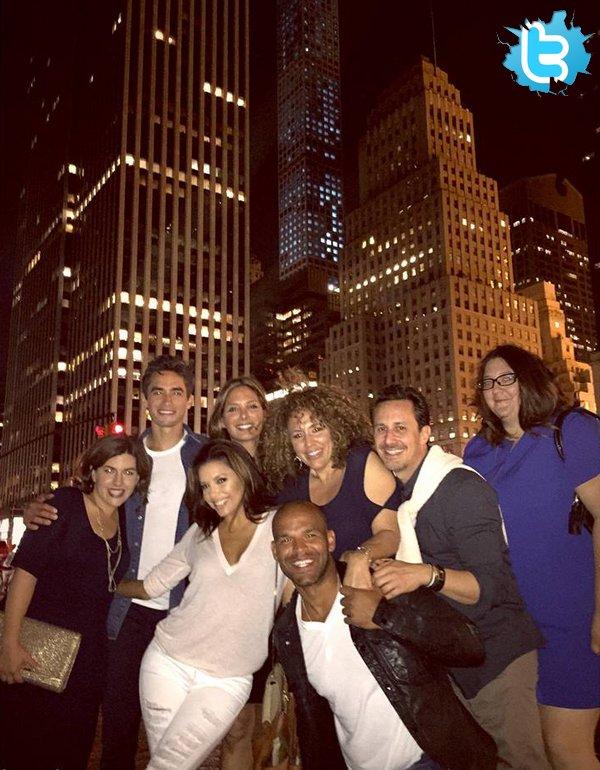 • 1o Mai 2o15 •  - New-York, Etats-Unis. 📷 Eva a posté une « Photo d'Elle à New-York » ainsi que 2 Photos pour la « Fête des Mères ».