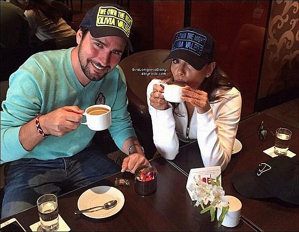 🍴 Eva & Alina Peralta ont été vues en train de se promener & déjeuner sur la Croisette.  15 Mai 2015. Cannes, France. Tenue: Eva porte des Lunettes Ray-Ban à 150¤ & des Baskets Adidas.