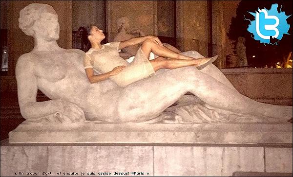 • 24 Mai 2o15 •  - Paris, France. 🚶 Le soir, Eva a été vue dans les « Rues de Paris » avec Pepe & des amis.