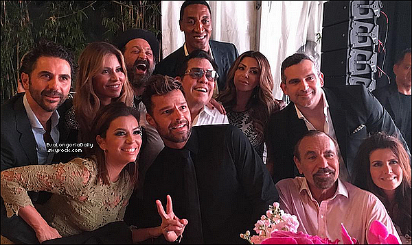 🍴 Eva & Pepe sont allés à Casa Tua Restaurant pour le Lancement du Livre de Ricardo Barroso.  o3 Décembre 2015. Miami, Etats-Unis. Tenue: Eva porte une Combinaison Cushnie et Ochs à 1735¤ & des Escarpins Prada.