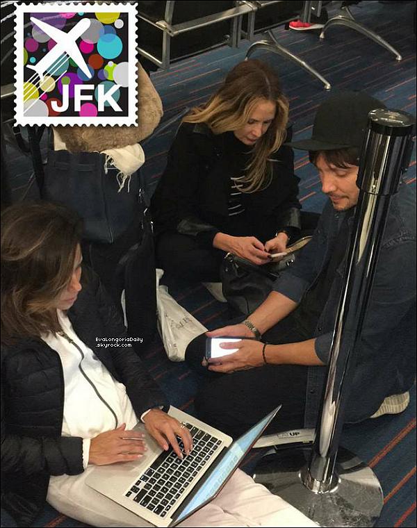 ✈️ Eva, Ken Paves & Elan Bongiorno étaient à JFK Airport.  o7 Janvier 2o16. New-York - Etats-Unis. Tenue: Eva porte des Baskets Adidas.
