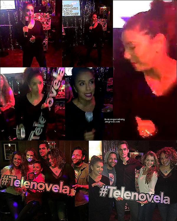  Eva & ses amis de Telenovela ont Regardé l'épisode de Telenovela ensemble en faisant un karaoké.  15 Février 2o16. Los Angeles - Etats-Unis.