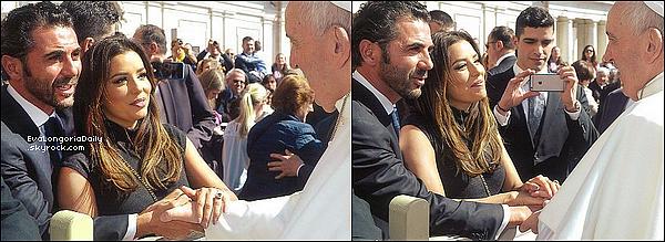 • 31 Mars 2o16 •  - Florence, Italie. 🚶 Eva & Pepe ont été vus dans les « Rues de Florence ». Tenue: Sac Chanel à 169o¤.