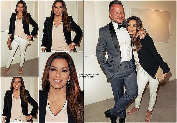 🍴 Eva est allée Dîner au Restaurant avec Victoria & Brooklyn Beckham.  14 Avril 2o16. Los Angeles - Etats-Unis.