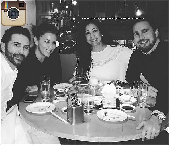 🐔 Eva a posté une photo d'elle pour Thanksgiving.  24 Novembre 2o16. Los Angeles - Etats-Unis.