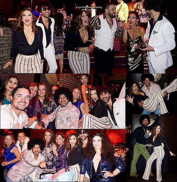 • 26 Novembre 2o16 •  - Los Angeles, Etats-Unis. 🎉 Eva & ses amis ont fait une « Fête sur le thème des Années 70' ».