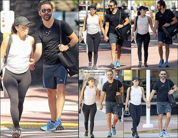 🏬 Eva & Pepe ont été vus Faisant du Shopping.  19 Janvier 2017. Miami - Etats-Unis. Tenue: Eva porte des Lunettes Victoria Beckham à 900¤ & des Baskets Adidas à 95¤.