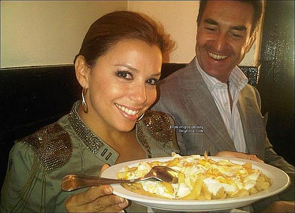 • 3o Juin 2o1o •  - Madrid, Espagne. 🍴 Avant de quitter l'Espagne, Eva est allée déjeuner à la « Casa Lucio Restaurant ».