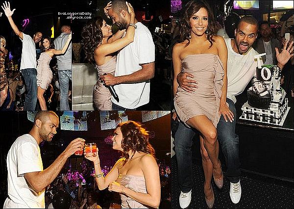 • 29 Mai 2o1o •  - Las Vegas, Etats-Unis. 🎂 Eva & Tony sont allés au « Eve Nightclub » pour fêter une fois de plus l'anniversaire de Tony.  Tenue: Robe Elizabeth&James & Escapins Brian Atwood.