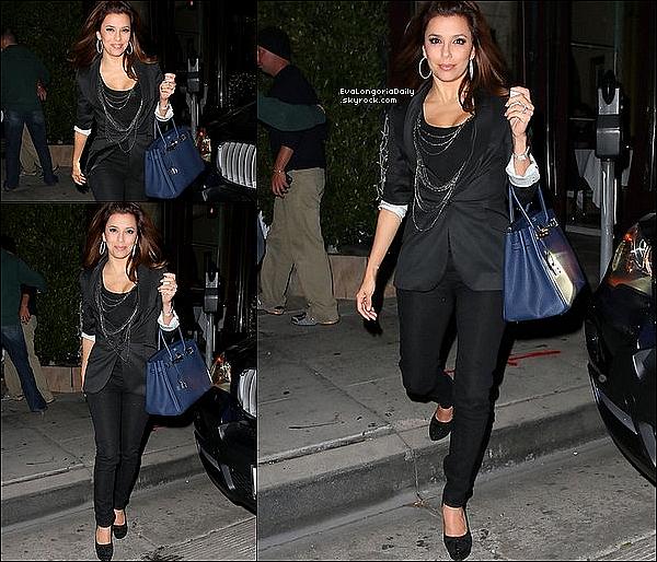 • 22 Janvier 2o1o •  - Los Angeles, Etats-Unis. 🎥 Eva a posté une photo d'elle sur le « Tournage de Desperate Housewives ».