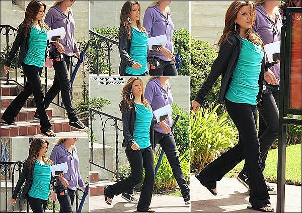 • 12 Octobre 2oo9 •  - Los Angeles, Etats-Unis. 🍴 Eva est allée déjeuner au « Toast Bakery Cafe ».