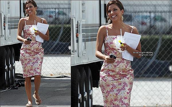 • 11 Septembre 2oo9 •  - Los Angeles, Etats-Unis. 🍴 Eva était sur le « Tournage de Desperate Housewives ». Tenue: Tongs Havaianas à 25¤.