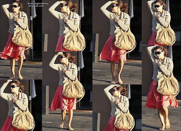 ✴️ Eva est allée au 2009 ALMA Awards Nomination Announcement.  25 Août 2oo9. Los Angeles - États-Unis. Tenue: Eva porte une Robe Gustavo Cadile & des Escarpins Christian Louboutin.