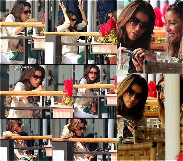 • 25 Août 2oo9 •  - Los Angeles, Etats-Unis. ⭐ Eva est allée au « 2009 ALMA Awards Nomination Announcement ». Son ami proche Amaury Nolasco était également présent. Tenue: Robe Gustavo Cadile & Escarpins Christian Louboutin.