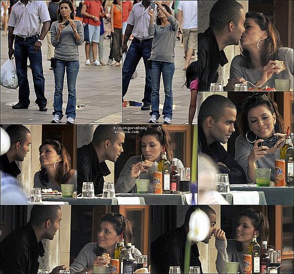 • 2o Juillet 2oo9 •  - Hollywood, Etats-Unis. 🍴 Le soir, Eva & son amie Robin Antin sont allées dîner au « Beso Restaurant ».