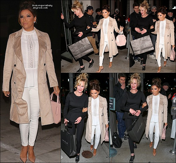 • 24 Mars 2o17 •  - West Hollywood, Etats-Unis. 🍴 Le soir, Eva, Pepe & Mélanie Griffith sont allés dîner au « Catch LA Restaurant ». Tenue: Manteau Eva Longoria Collection à 12o¤, Chemisier Eva Longoria Collection à 7o¤, Sac Sage Aubrey & Escarpins Christian Louboutin à 625¤.