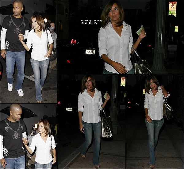• 3o Juin 2oo9 •  - Hollywood, Etats-Unis. 🍴 Le soir, Eva & Tony sont allés dîner au « Beso Restaurant ».  Tenue: Sac Valentino Rossi & Escarpins Christian Louboutin.