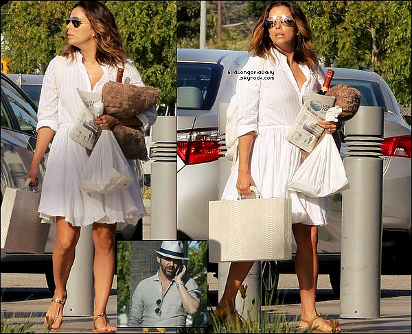 • 14 Avril 2o17 •  - Los Angeles, Etats-Unis. ✈️ Eva & Pepe ont été vus « Prenant un Jet Privé » . Tenue: Lunettes Victoria Beckham à 49o¤.