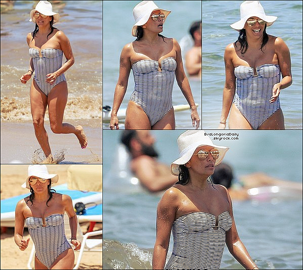 • 19 Avril 2o17 •  - Hawaï, Etats-Unis. 🌊 Puis, Eva est allée s'amuser dans une « Cascade » & est ensuite est allée se promener avec Pepe. Tenue: Lunettes Victoria Beckham à 895¤ & Maillot de Bain Melissa Odabash à 25o¤.
