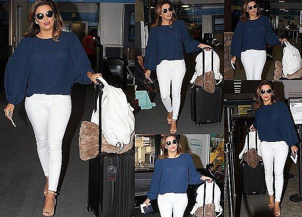 • 27 Avril 2o17 •  - Miami, Etats-Unis. 🛍️ Eva & sa Maman sont allées « Faire du Shopping ».