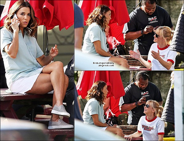 🎥 Eva & Anna Faris ont été vues sur le Tournage de Overboard.  12 Juin 2o17. Toronto - Canada. Tenue: Eva porte des Ballerines Michael Kors.