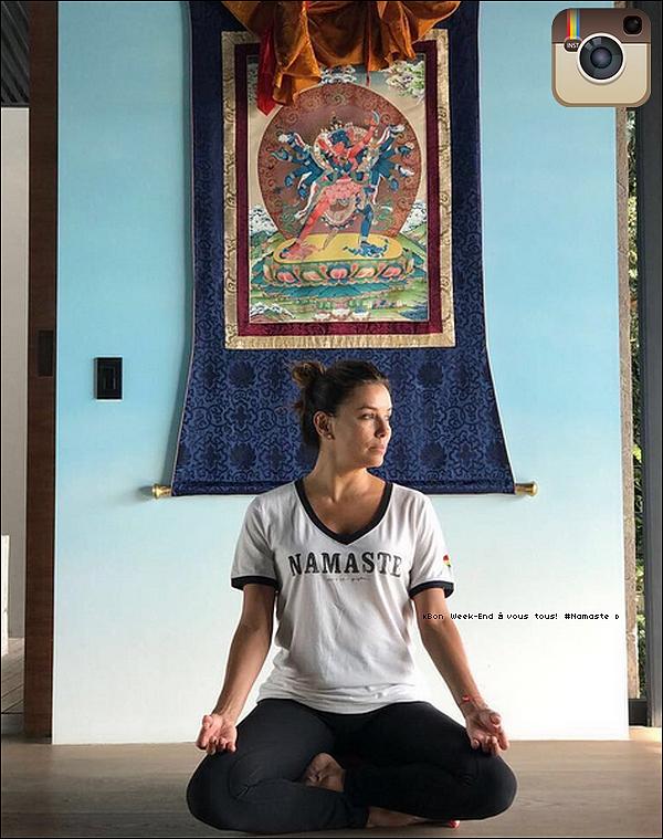 • o8 Juillet 2o17 •  - Los Angeles, Etats-Unis. 📷 Eva a posté une « Photo d'Elle » en train de faire du Yoga.