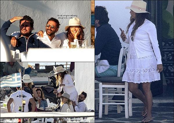 ⛵ Eva a posté une photo d'elle Sur un Bâteau.  o9 Septembre 2o17. ? - Grèce.