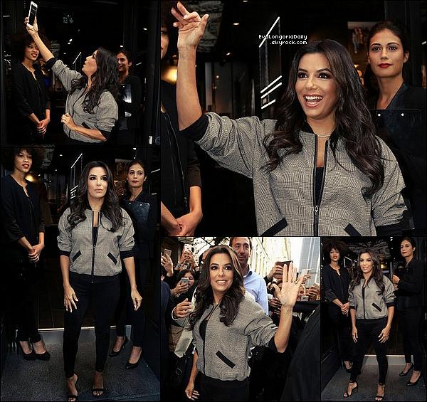 🚶 Eva a été vue dans les Rues de Beverly Hills après être allée dans un salon de beauté.  25 Septembre 2o17. Beverly Hills - Etats-Unis. Tenue: Eva porte une Robe Rag&Bone à 375¤.