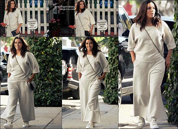 ✴️ Eva est allée au Samuel Goldwyn Theater pour The 2017 Careers In Film Summit.  14 Octobre 2o17. Beverly Hills - Etats-Unis. Tenue: Eva porte un Pantalon Eva Longoria Collection à 210¤.
