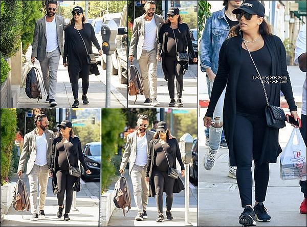 • 14 Avril 2o18 •  - Beverly Hills, Etats-Unis. 🎂 Eva & Pepe sont allés à « Mr Chow Restaurant » pour « Les 5o ans de Pepe ». Tenue: Escarpins Gianvito Rossi