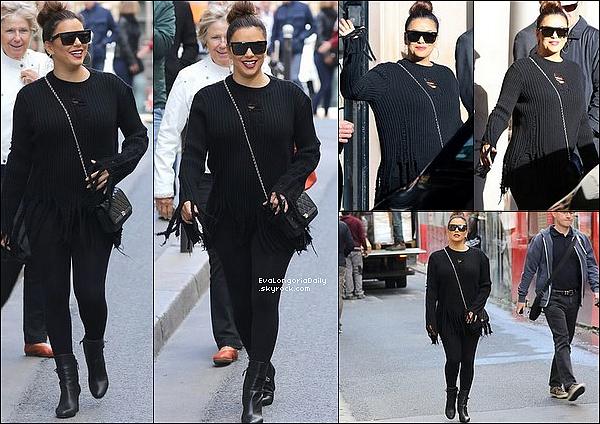 • 24 Septembre 2o18 •  - Paris, France. 🚶 Eva a quitté son hôtel pour se rendre à un « Photoshoot » pour la marque Balmain. Tenue: Sac Chanel.