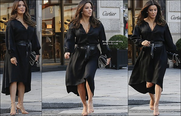  Eva a été vue quittant le Four Season Hotel. 26 Septembre 2018. Paris, France. Tenue: Eva porte des Baskets Adidas.