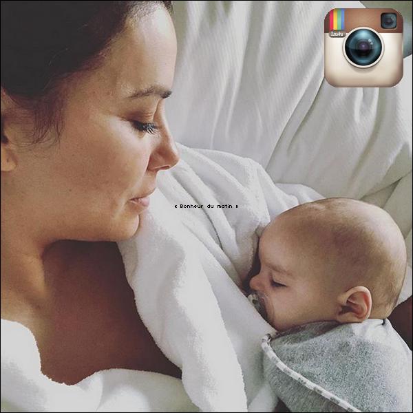 ✈️ Eva & Santiago ont été vus au Sydney Airport. 12 Octobre 2018. Sydney, Australie. Tenue: Eva porte une Veste Isabel Marant à 425¤.