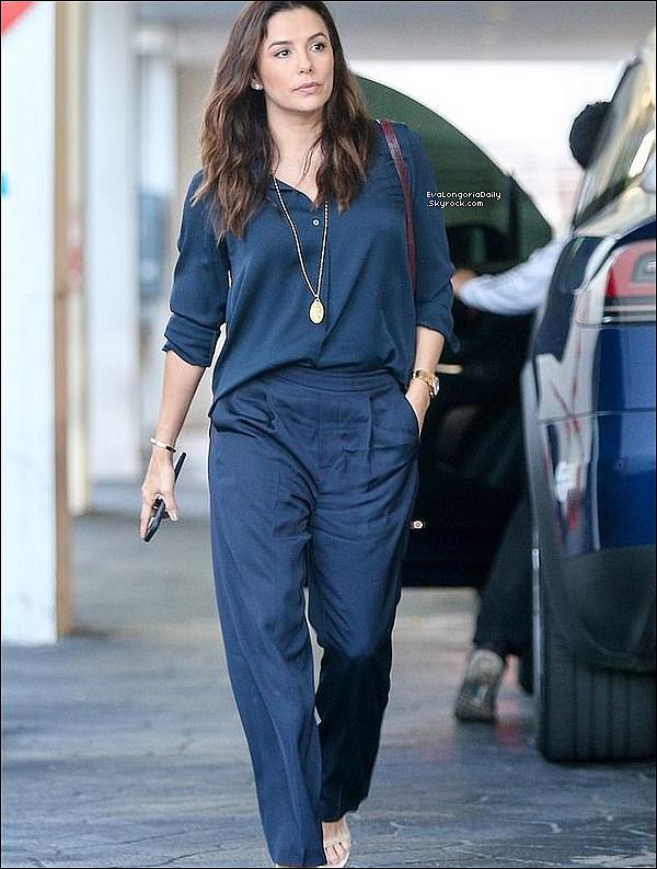 • o6 Avril 2o19 •  - Beverly Hills, Etats-Unis. 🍴 Eva est allée déjeuner au « E Baldi Restaurant ». Tenue: Sac Hermès à 34965¤.