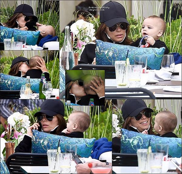 ✴️ Enfin, Eva & Santi ont été vus à la Terrasse d'un Restaurant.  16 Mai 2o19. Cannes - France.