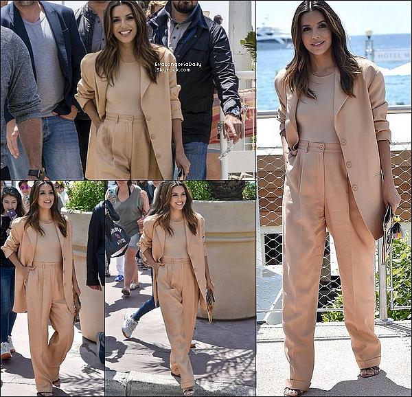 • 16 Mai 2o19 •  - Cannes, France. 🍴 Enfin, Eva & Santi ont été vus à la « Terrasse d'un Restaurant ».