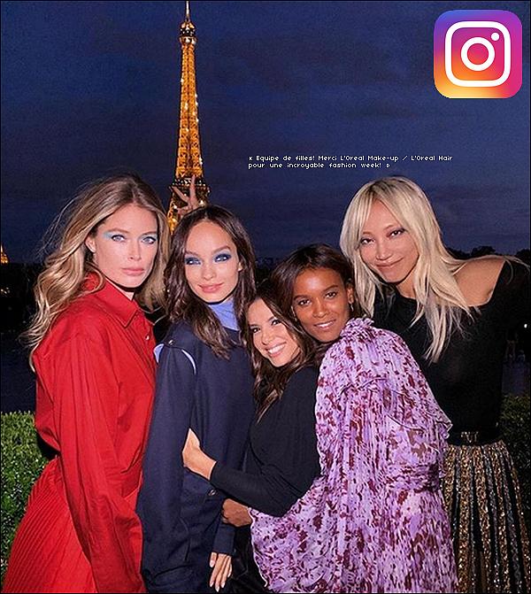 • 28 Septembre 2o19 •  - Paris, France. ⭐ Puis, Eva est allée, avec Santiago, à « Le Defile L'Oreal Paris Show ». Tenue: Jupe Atlein & Bottes Gianvito Rossi.